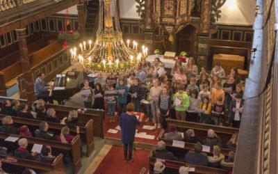 1-2-3-Chor auf dem Weihnachtsmarkt